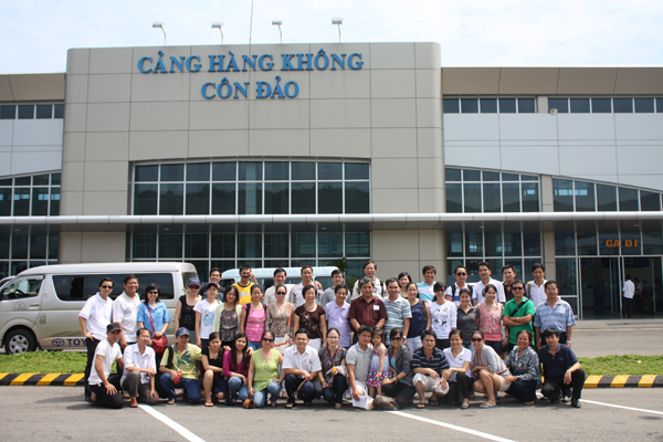 Officials and employees of Intimex Import & Export Joint Stock Company visited Con Dao Island