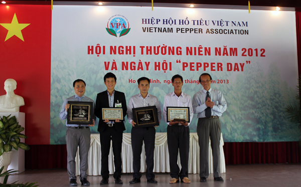 Intimex Group Joint Stock Company received the award from the International Pepper Community